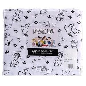 Peanuts Poses & Paws Snoopy Microfiber Sheets Berk